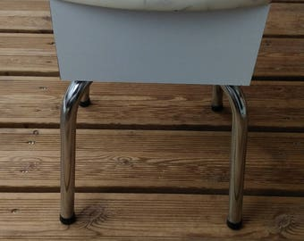 White and chrome formica shoe stool - VINTAGE - FRANCE - FORMICA -