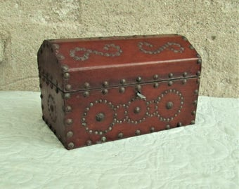 Vintage English Box, leather boxes, large wooden boxes, decorative boxes, 1920's decor, English handmade