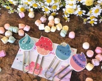 Staples bookmark Bookmarks Cupcake