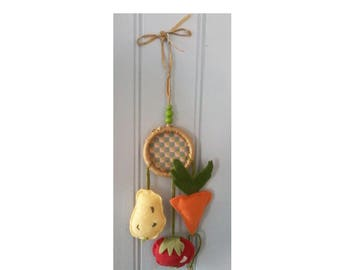Mobile hanging wall vegetables