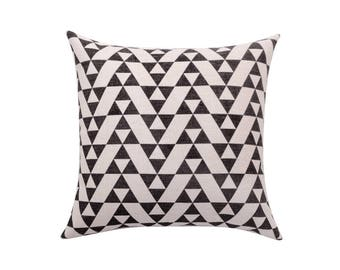 Geometric decorative pillow cover Chevron throw pillow covers Linen pillow cases Black and white cushion cover Home decor gift 18x18