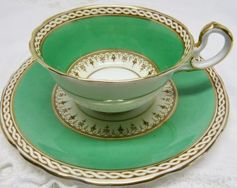 """Aynsley """"Desborough"""" Green Bone China Footed Teacup and Saucer Green Band Gold Decor & Trim Pattern 7367"""