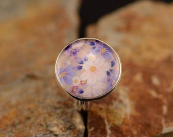 Silver ring flower cabochon lilac, blue and white