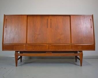 Mid Century Retro Danish Teak Sideboard Highboard with Cupboards & Drawers 1960s