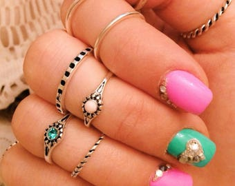 Boho style, antique style  silver color  ring set .