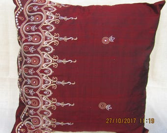 Luxurious silk embroidered cushion cover, red, medium