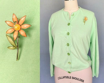 pistachio / 1960s mint green cardigan sweater with enamel flower pin / large xl