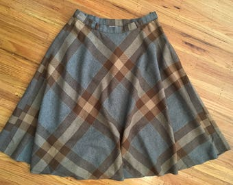 Spring Sale - Vintage 1980's gray plaid skirt