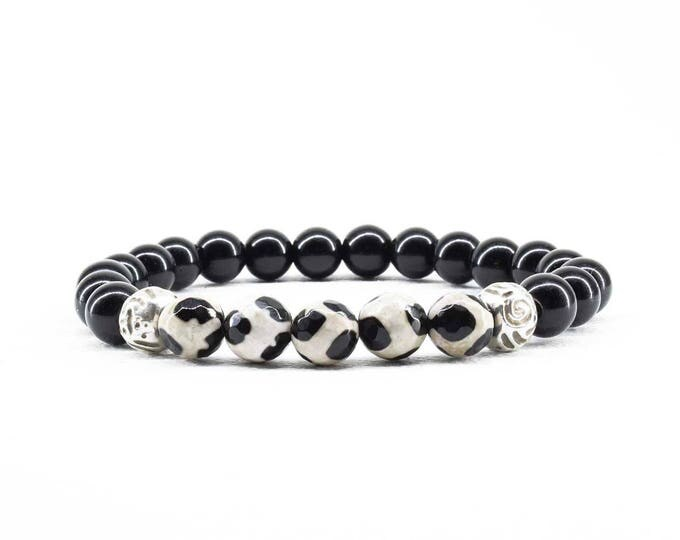 Women's Bracelet with Tibetan Agate and Black Onyx beads.