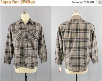 SALE - Vintage 1960s Pendleton Wool Shirt / Deschino's Woodbury Conn. / Blue Gray Plaid / Size XL / 44 / Vintage Men's Shirt / Vintage Mensw