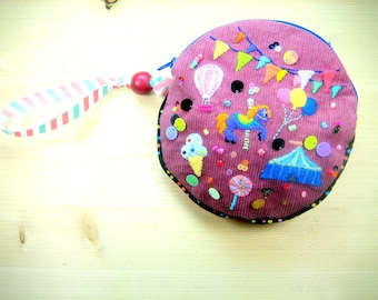 """Small round Pocket embroidered """"circus"""""""
