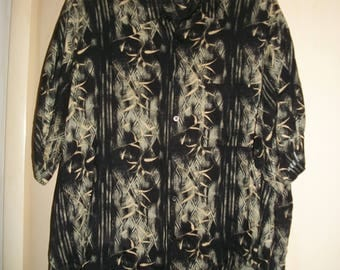 Men's vintage 90's Black, Tan Hawaiian Shirt Size 3XL