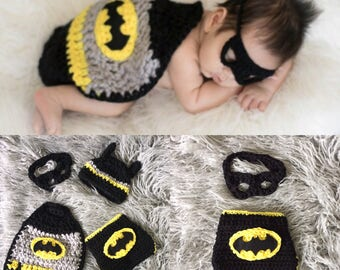 Ready to ship! Free shipping newborn batman  photo prop set, batman baby costume, batman cape, crochet batman costume, crochet batman baby