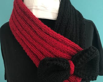Pull on neck warmer / Scarf with bow