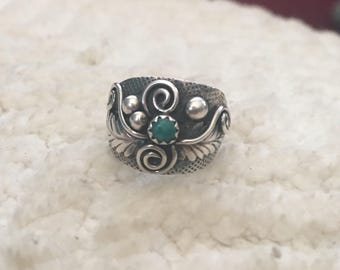 Sterling Silver ring wigh Turquoise vintage 70s okd pawn