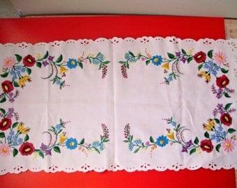 "Vintage,Hungarian handmade ""Kalocsa""embroidered doily,centerpiece,runnerw.flower pattern"