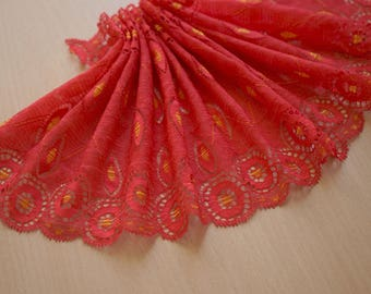 1.5 m x 15 cm lace red gold lycra Ref 1539