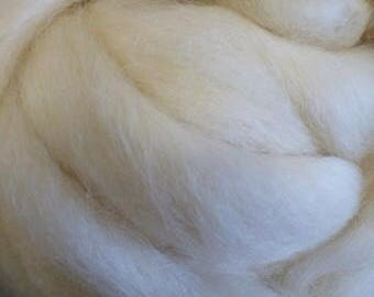 Natural Wendsleydale Top - Spinning Fiber