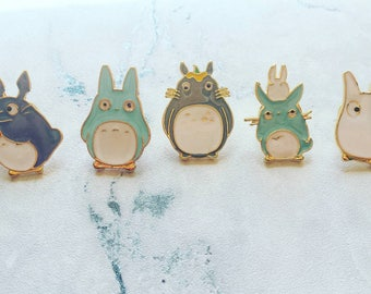 Totoro pin badge