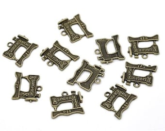 10 ps Antique Bronze Singer Sewing Machine Charms 20x18mm