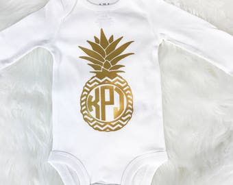 Baby girl clothes Personalized Baby gift Monogrammed baby girl Onesie Pineapple Baby bodysuit Cute baby Onesie Custom onesie Baby bodysuit