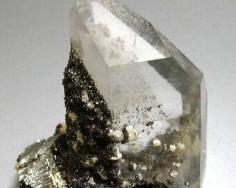 25% OFF Quartz, Ferberite - China - Item 21341