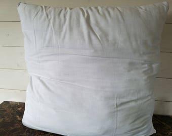24x24 pillow insert with zipper
