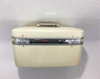 Vintage 1960's Samsonite Horizon White Cosmetic Train Case Suitcase with Key