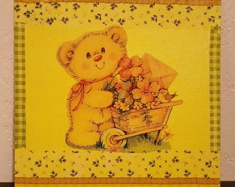 Canvas 'Pooh' on a yellow background ' 20x20cm