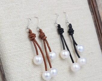 Leather pearl earrings,pearl leather earrings,pearl earrings,pearl dangle earrings,white pearl earrings,freshwater pearl,drop earrings