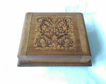 Antique Edwardian Cigarette Display Box with Marquetry Inlay Design (6878)