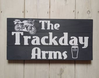 Custom Sign - wooden sign design & signwriting service, bespoke sign, personalised sign, unique sign, pub sign, diabetes sign, welcome sign