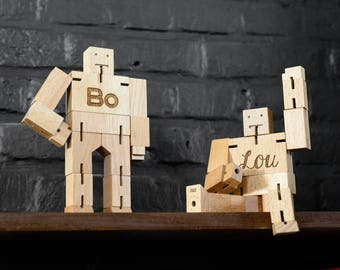 Personalised robot - Cubebot, Cubebot engraved, Custom design toy