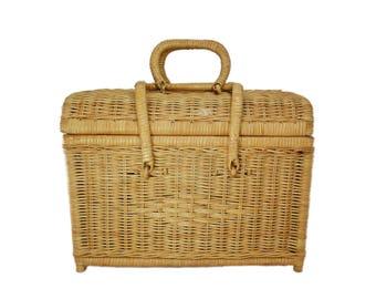 Vintage Wicker Bamboo Picnic Basket, Picnic Basket, Storage Basket, Picnic Supplies, Farmhouse, Shabby Chic, Cottage, Boho, French Basket