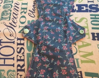 """13"""" Moderate Floral Cloth Pad"""
