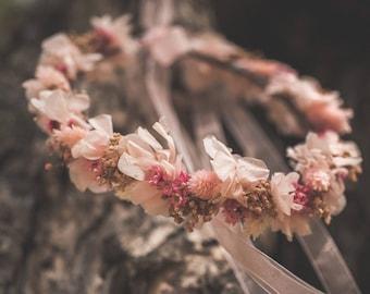 Couronne de fleurs préservées rose poussiéreux