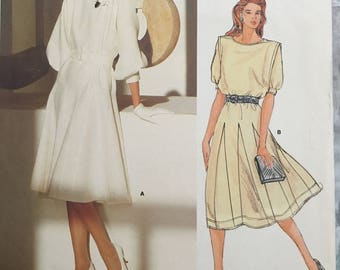 Uncut Vogue dress pattern Jean Muir 1359