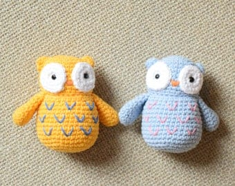 Mini crochet owl toy