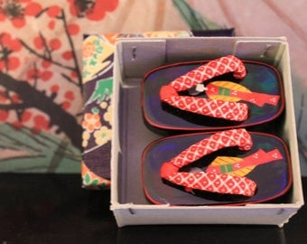 Vintage Japanese Miniature Geta Shoes in box