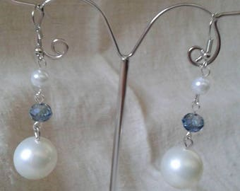 Earrings white pearls and faceted