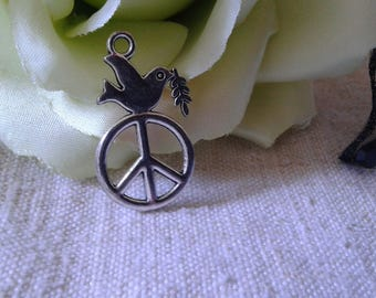 "set of 5 ""Dove of peace"" charm"