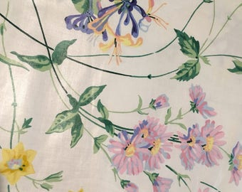 """Vintage- Waverly """"Garden Trail"""" from the Bermuda collection - Shiny white with delicate floral vines - purple"""