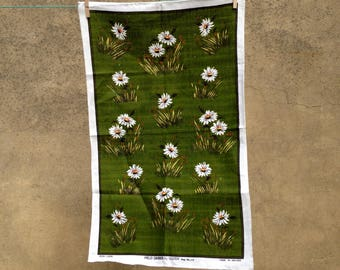 Vintage 70s pure Irish linen Leil tea towel of Field Daisies by Ulster