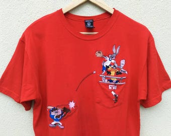 Vintage Warner Bros Embroidery Character Pocket tshirt   bugs bunny tazmanian devil daffy duck