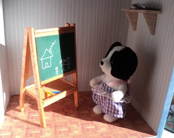 Child's miniature easel, 1/12th scale
