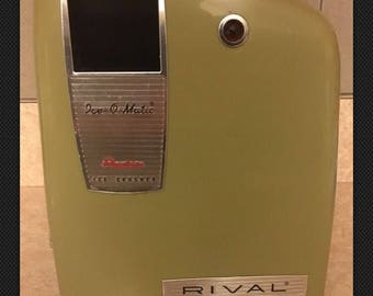 Vintage Rival Ice-O-Matic Electric Ice Crusher Avocado Color 1960 Working