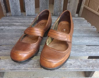 Vintage Brown Hollace Naturalizers Women's Leather Mary Janes Size 7 W