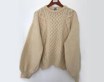Aran sweater / chunky sweater / cable knit sweater / 80s sweater / wool sweater / vintage wool sweater / english sweater / sweater large