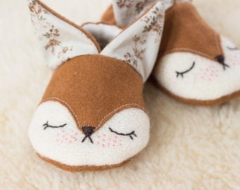 fox wool slippers for babies lined with hemp and organic cotton fleece, and recycled leather sole, red fox shoes, crib shoes