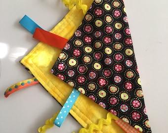 Flower polka dot with yellow back lovie blanket
